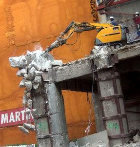 Demoliciones controladas en Madrid