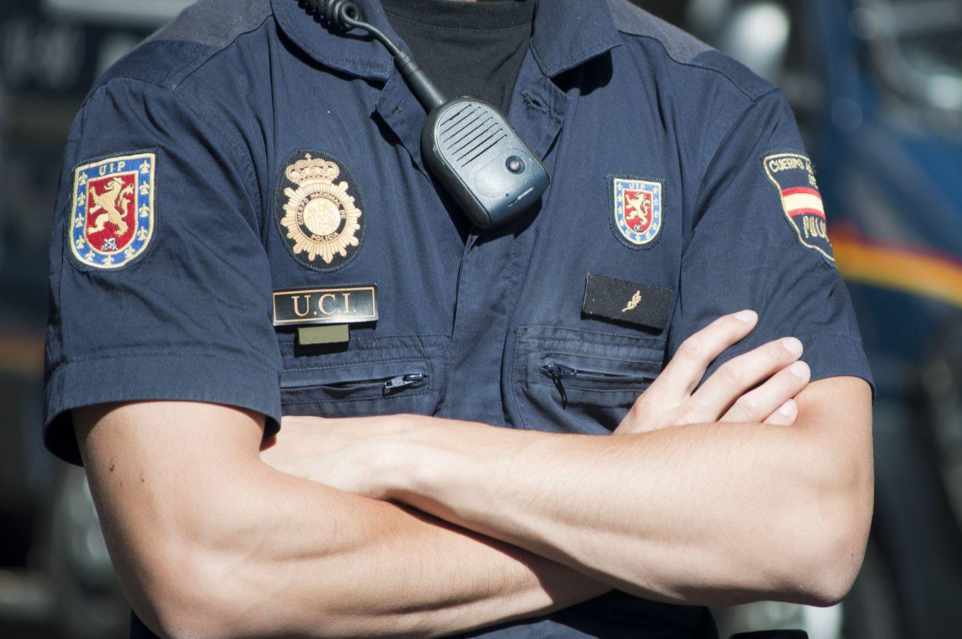 Uniformes de policía en Castellón