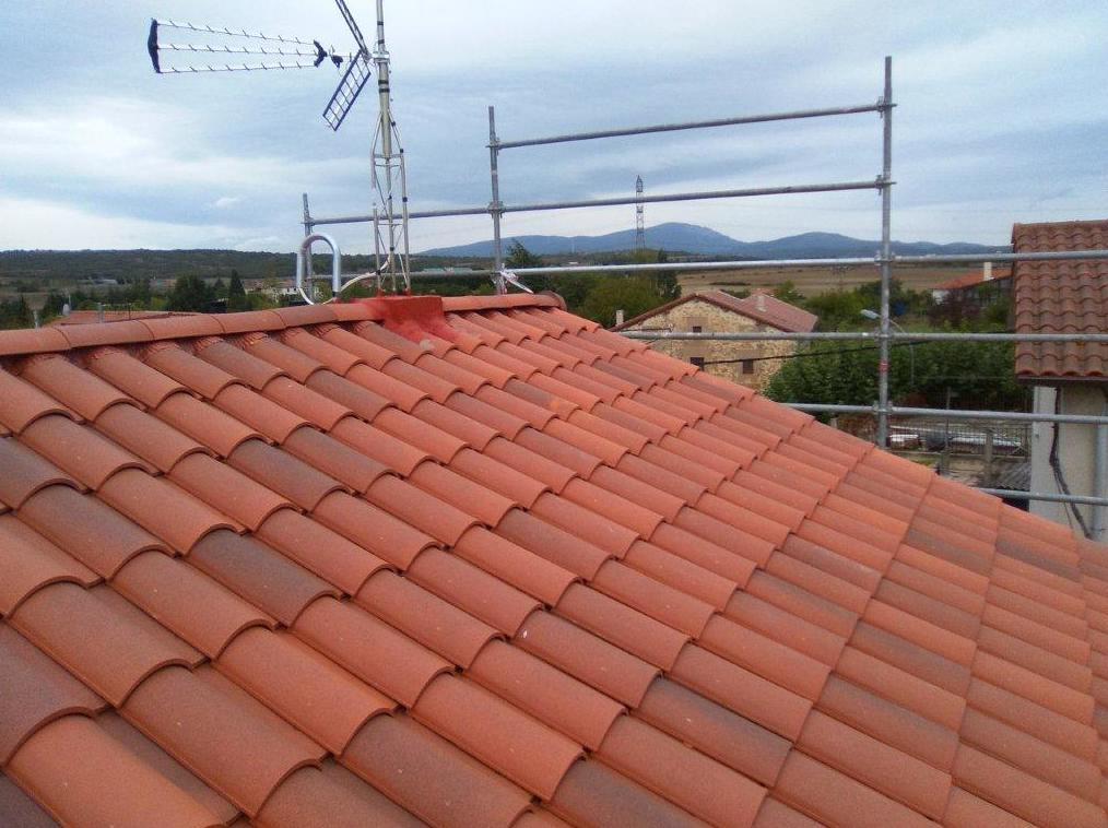 Rehabilitación de tejado en Durana, después