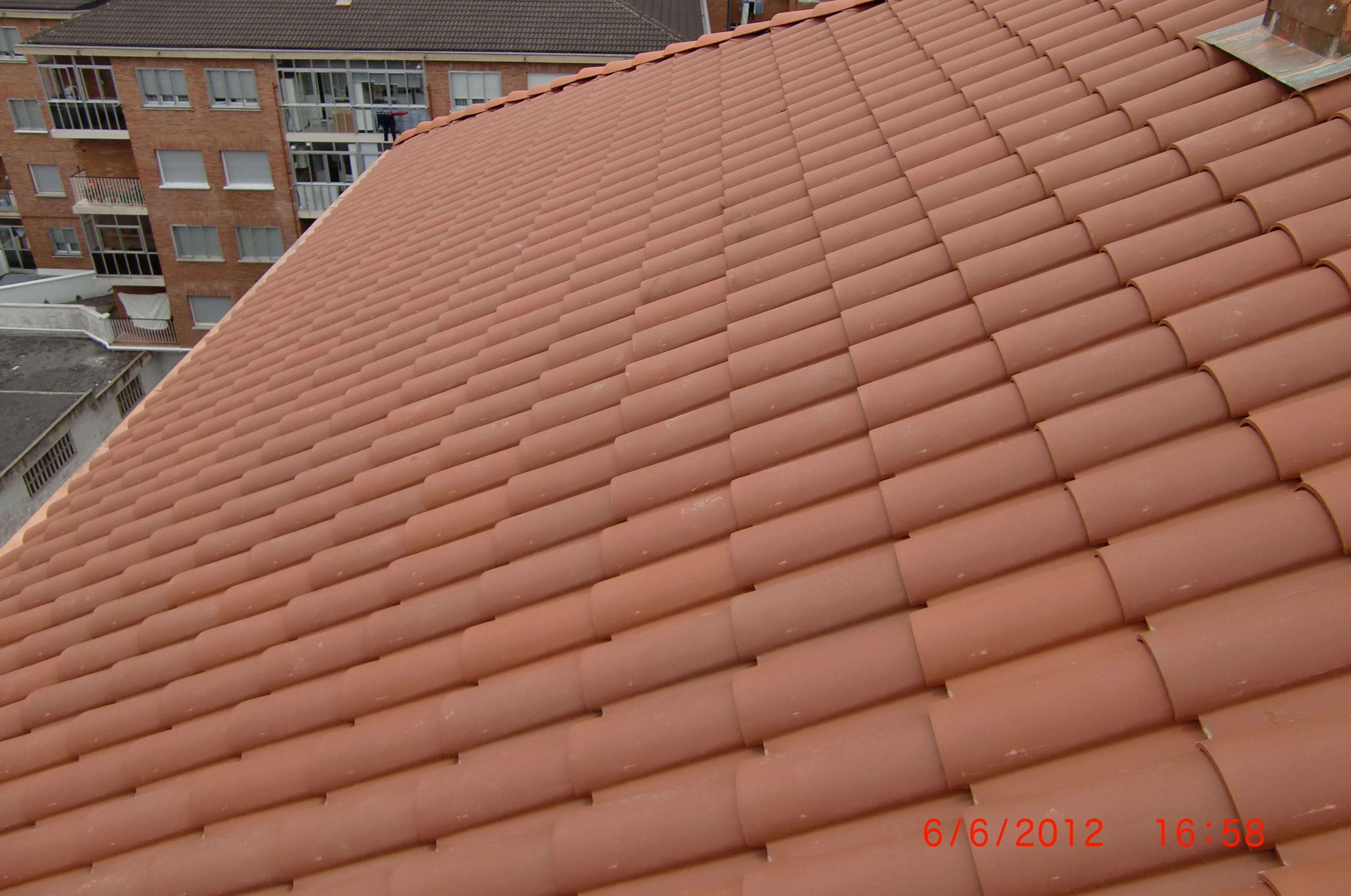 Rehabilitación de tejado en la calle Bernal de Luko, 9 Vitoria-Gasteiz