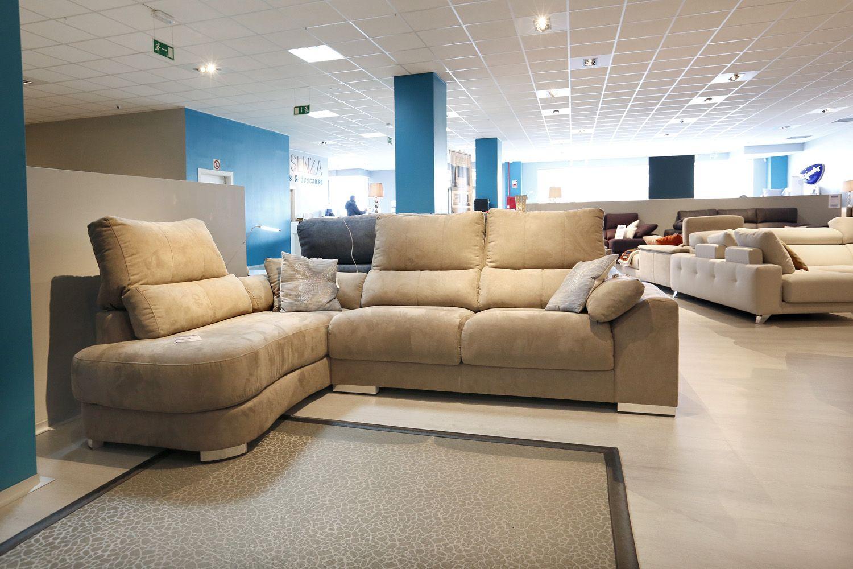 Interior de nuestra exposición de sofás