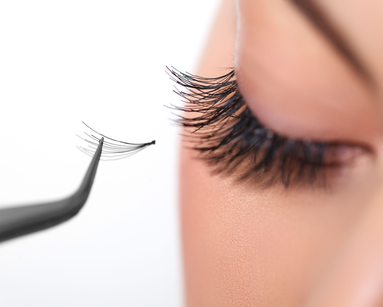 Extensiones de pestañas: Centro de estética de O Makeup Studio