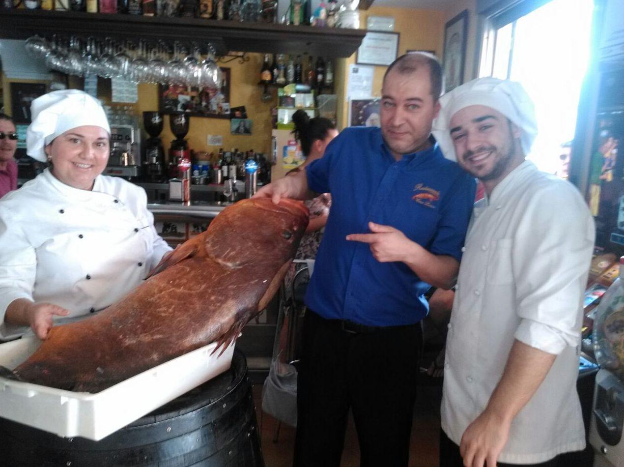 Restaurante especializado en pescados frescos en Morón de la Frontera