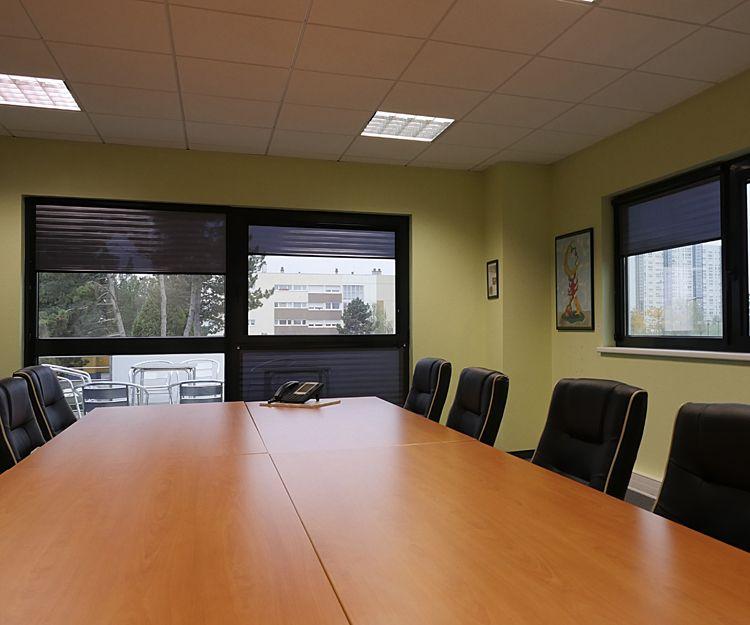 Estores para sala de reuniones
