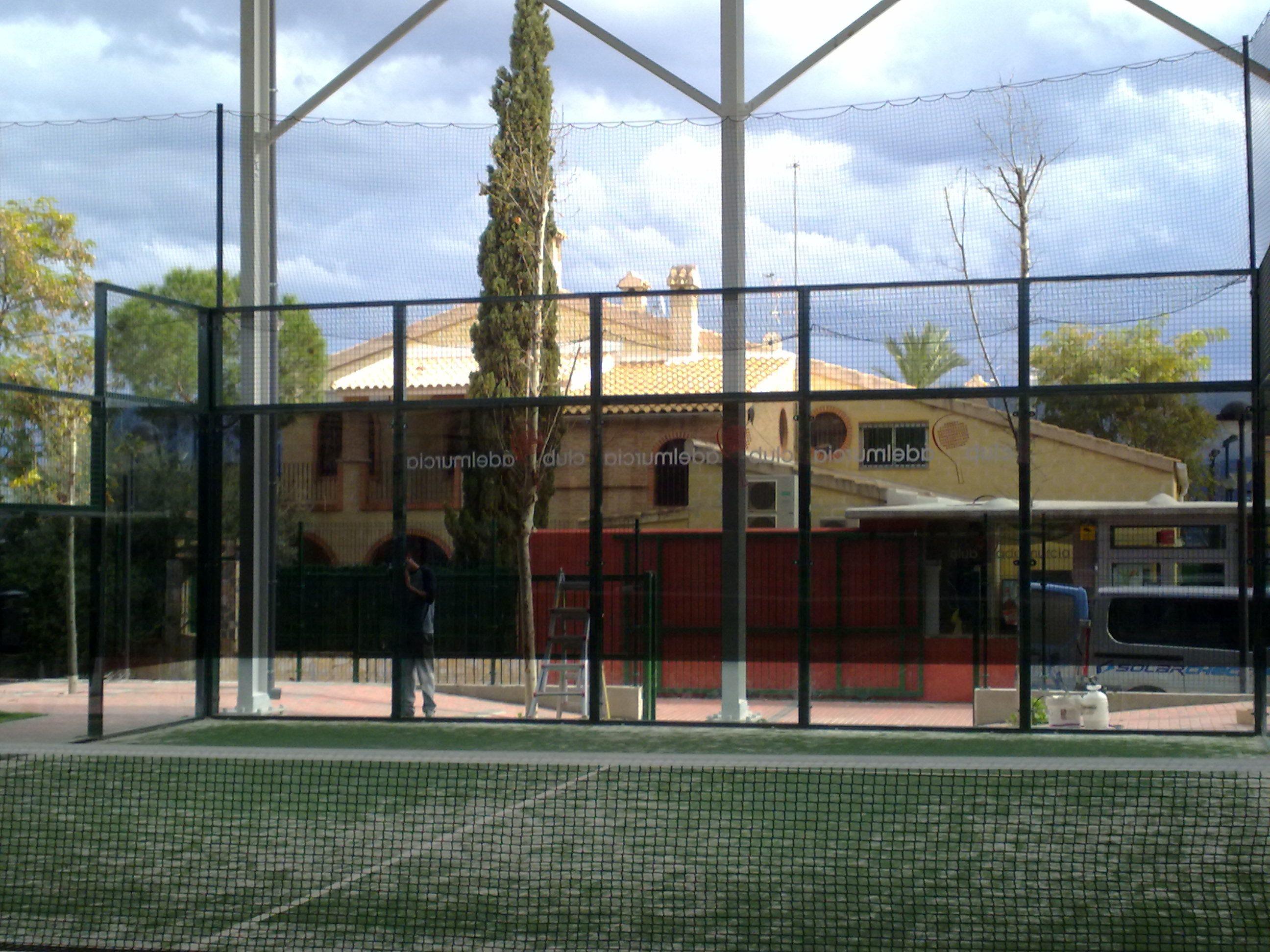 Láminas solares para pista de tenis