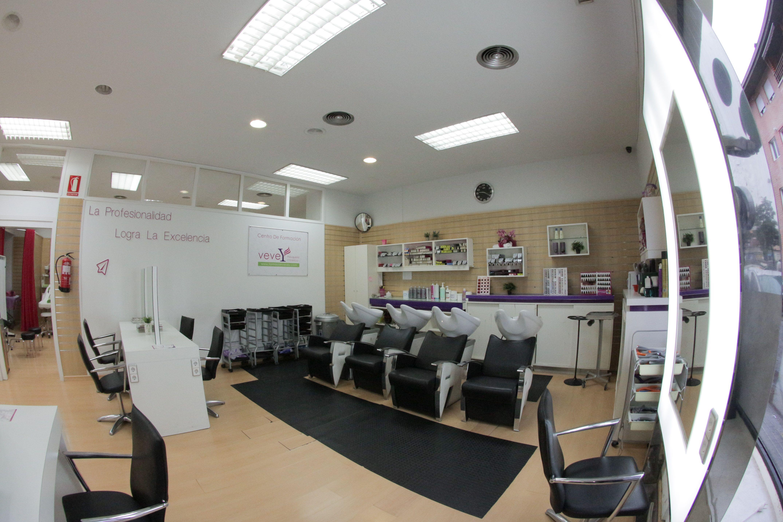 Foto 27 de Academias de peluquería y estética en Collado Villalba | Vevey