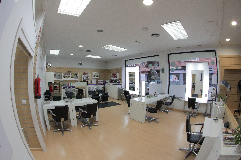 Foto 2 de Academias de peluquería y estética en Collado Villalba | Vevey