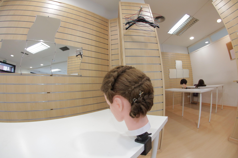Foto 3 de Academias de peluquería y estética en Collado Villalba | Vevey