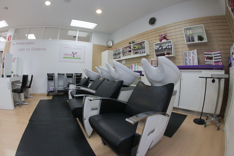 Foto 26 de Academias de peluquería y estética en Collado Villalba | Vevey