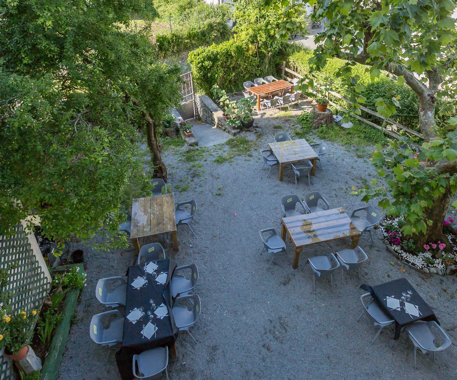 Vista de la terraza exterior de nuestro restaurante en Navarra