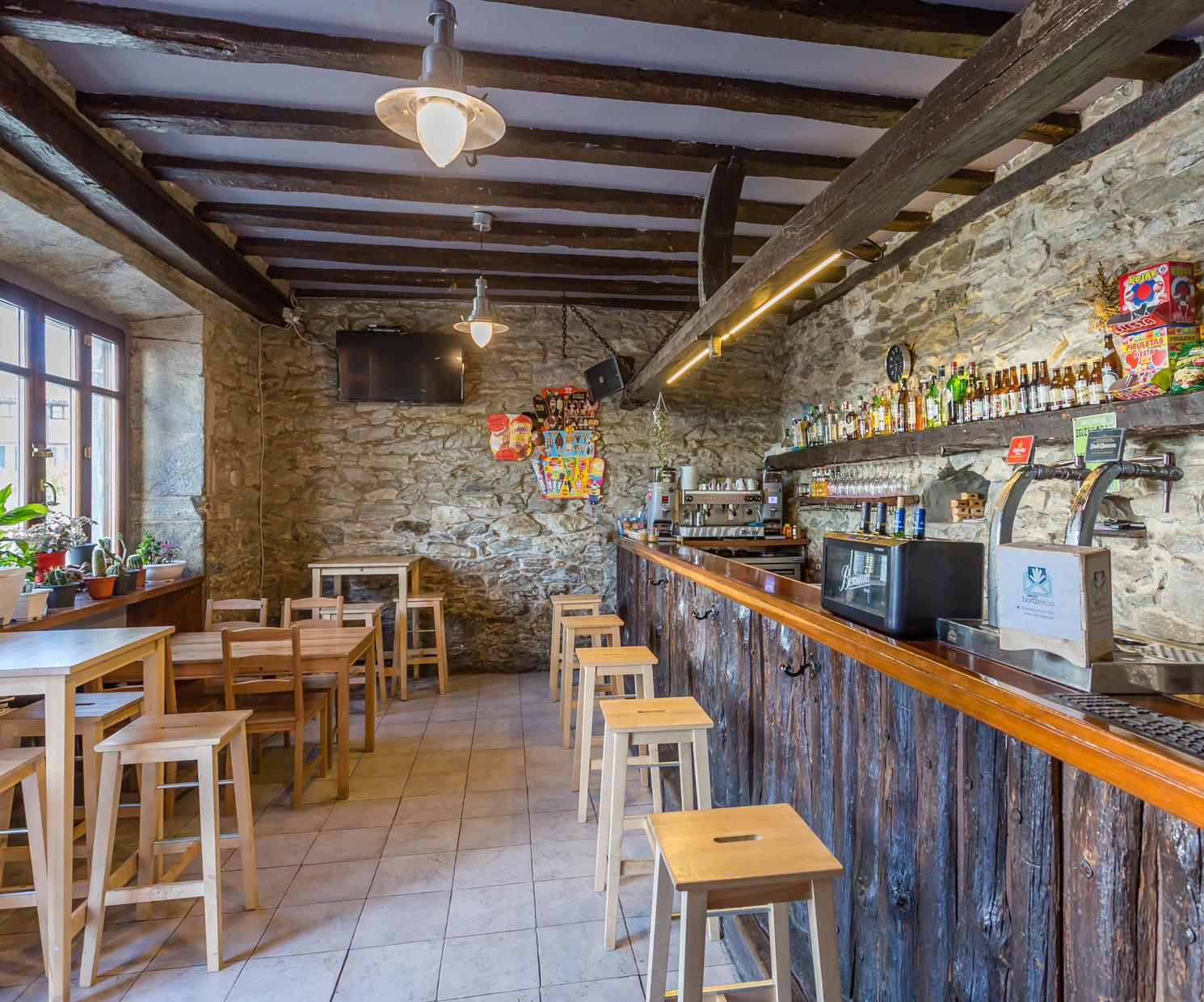 Barra de nuestro restaurante en Navarra