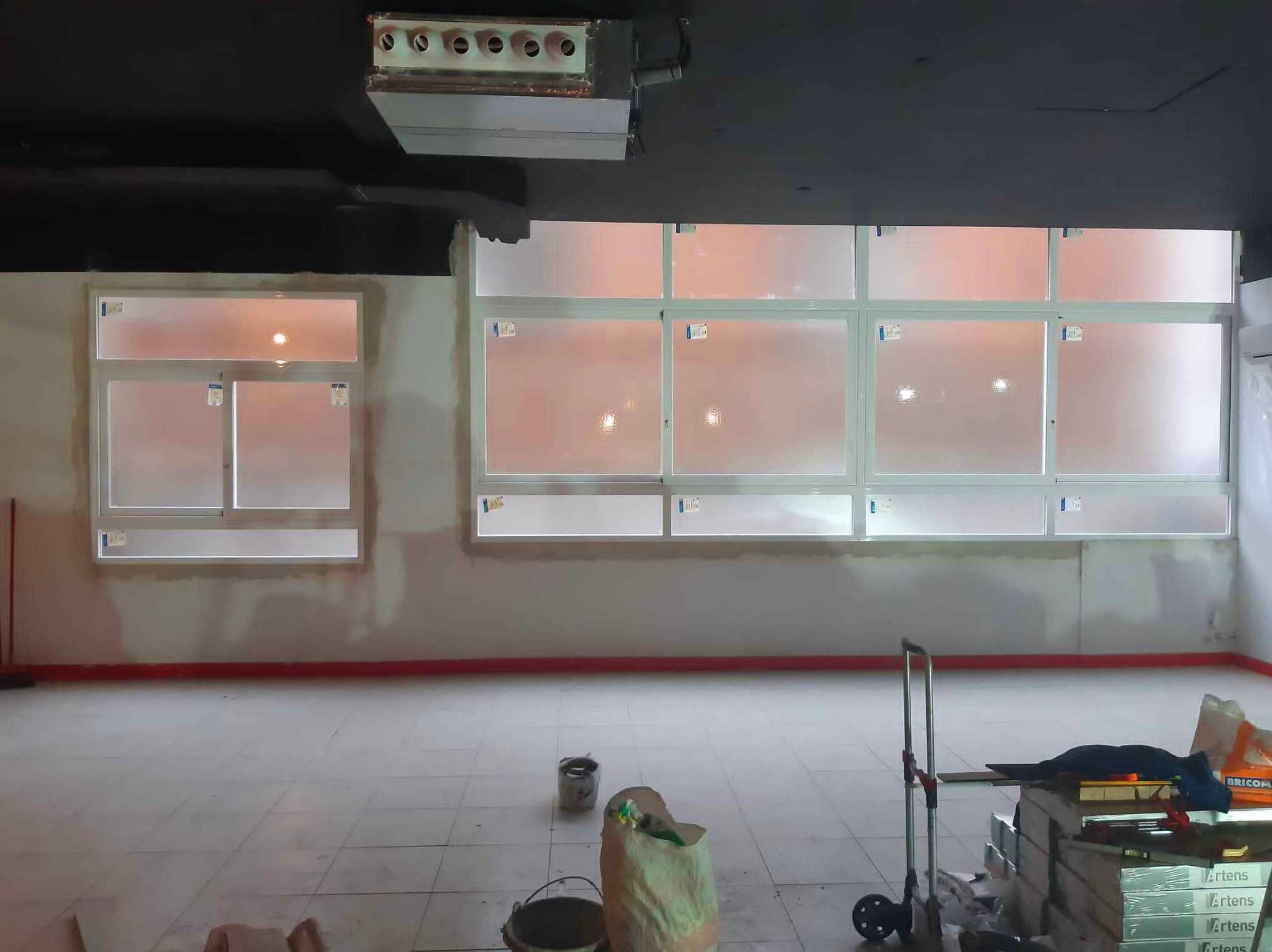 Cerramiento de fachada en sistema corredera,RPT y L.Blanco