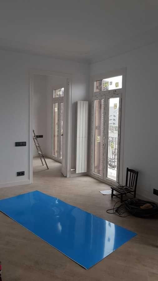 Instalación de ventanal alto