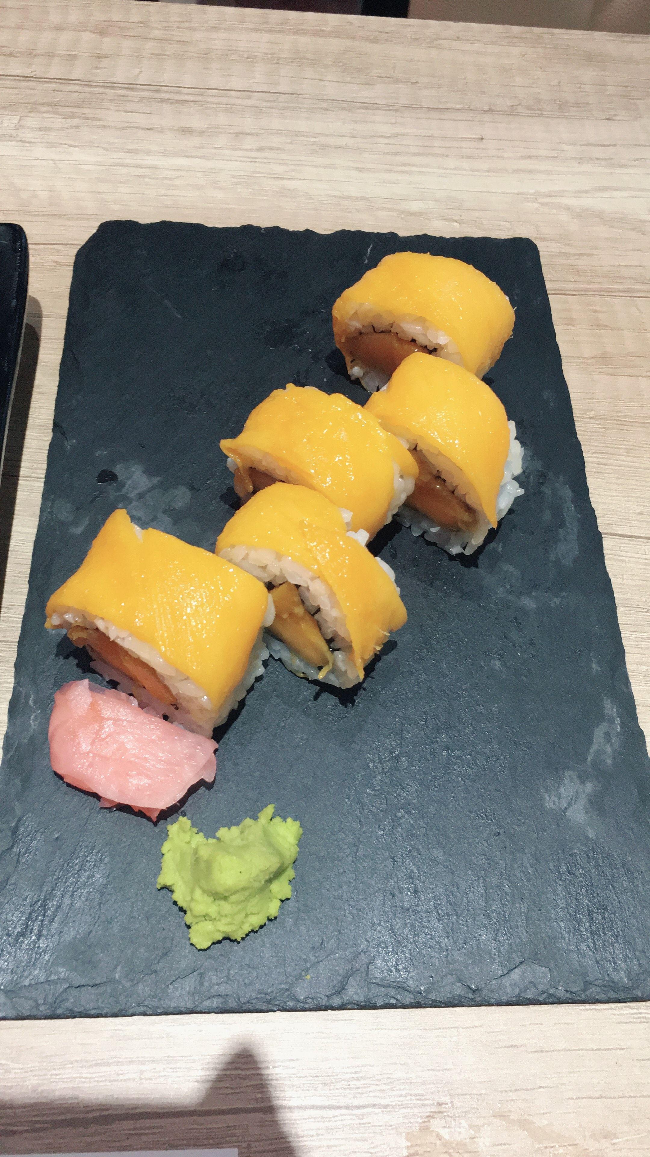 Buffet con platos preparados en el momento en Barcelona