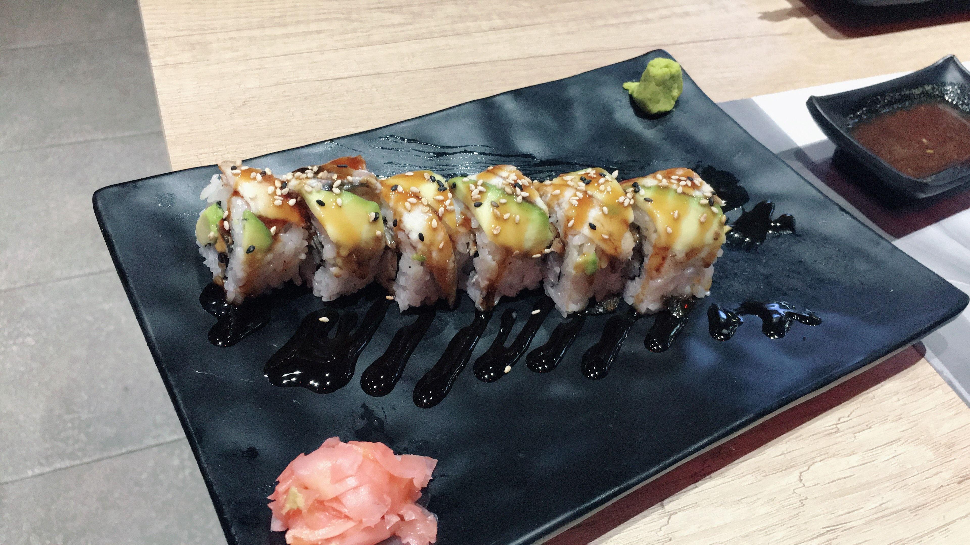 Buffet libre con sushi y marisco en Barcelona