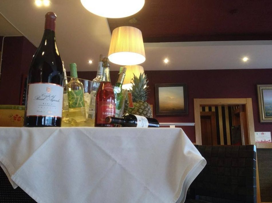 Restaurante con una buena variedad de vinos
