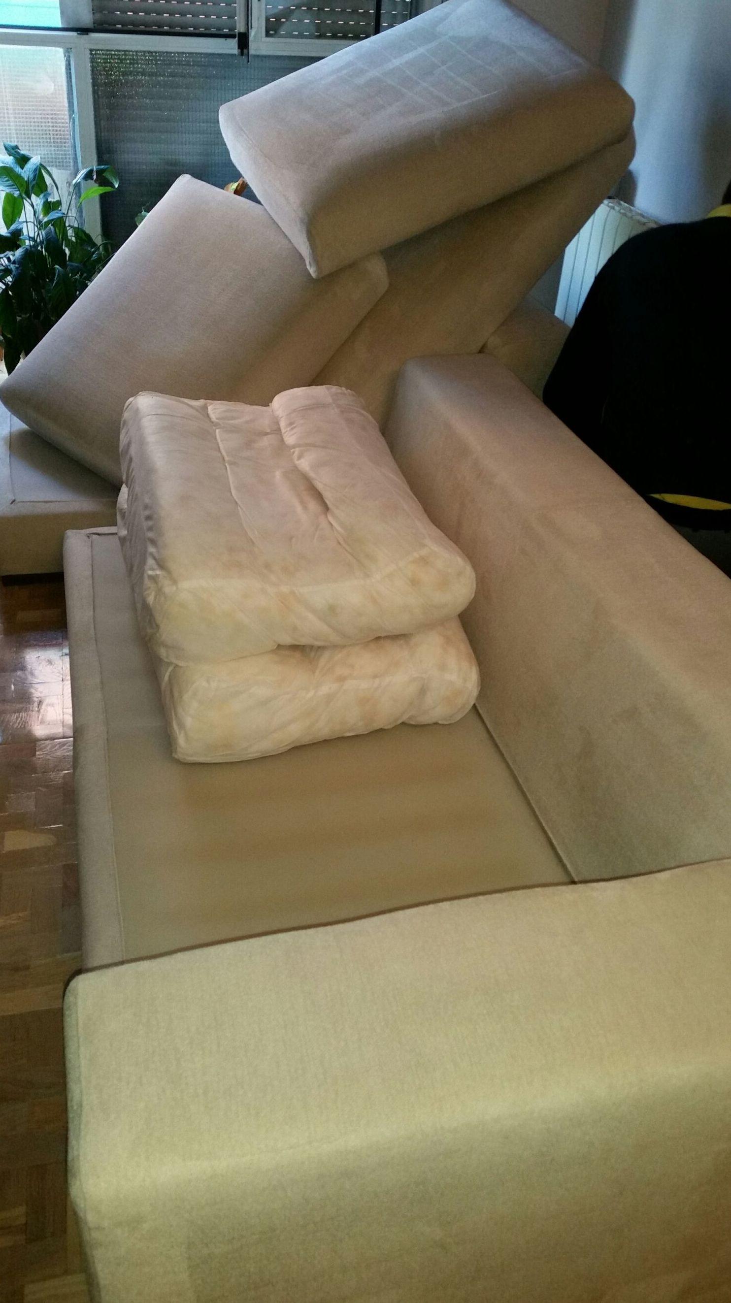Limpieza en tapicería de sofá