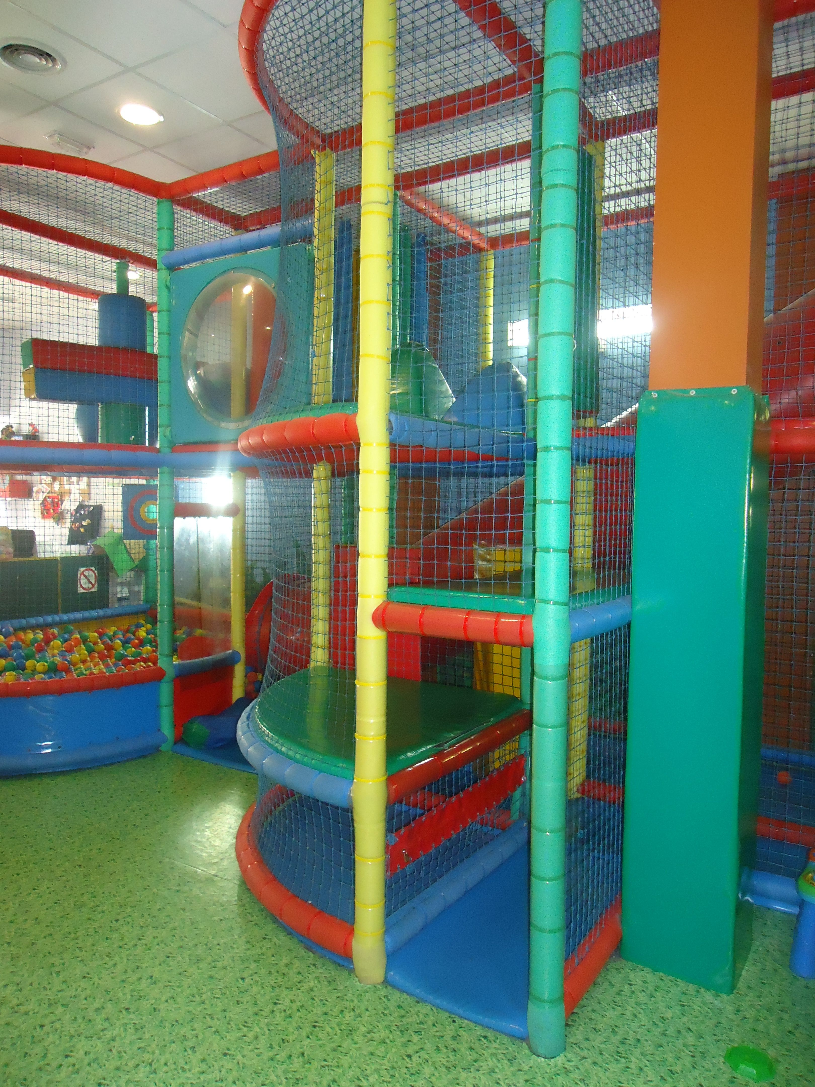 Foto 15 de Parques infantiles en Móstoles | Gnomos y Hobbits