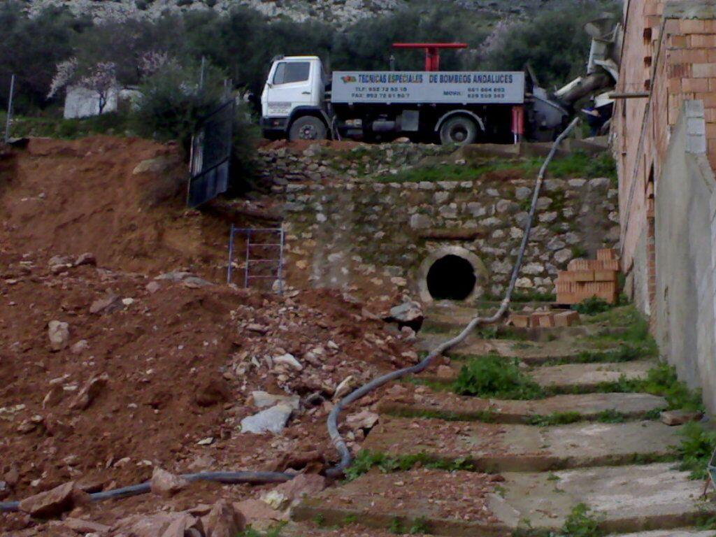 Distribuidores hidráulicos de hormigón en Cádiz