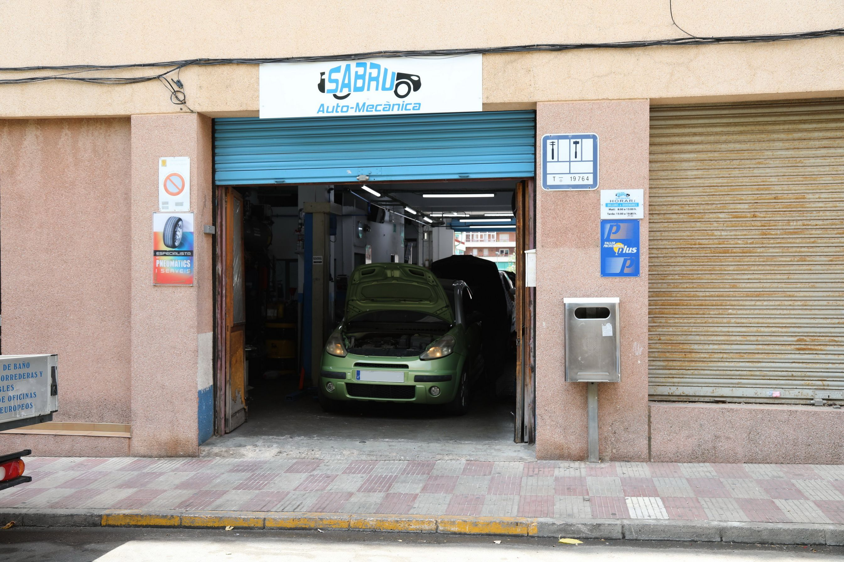 Exterior local Automecánica Sabru