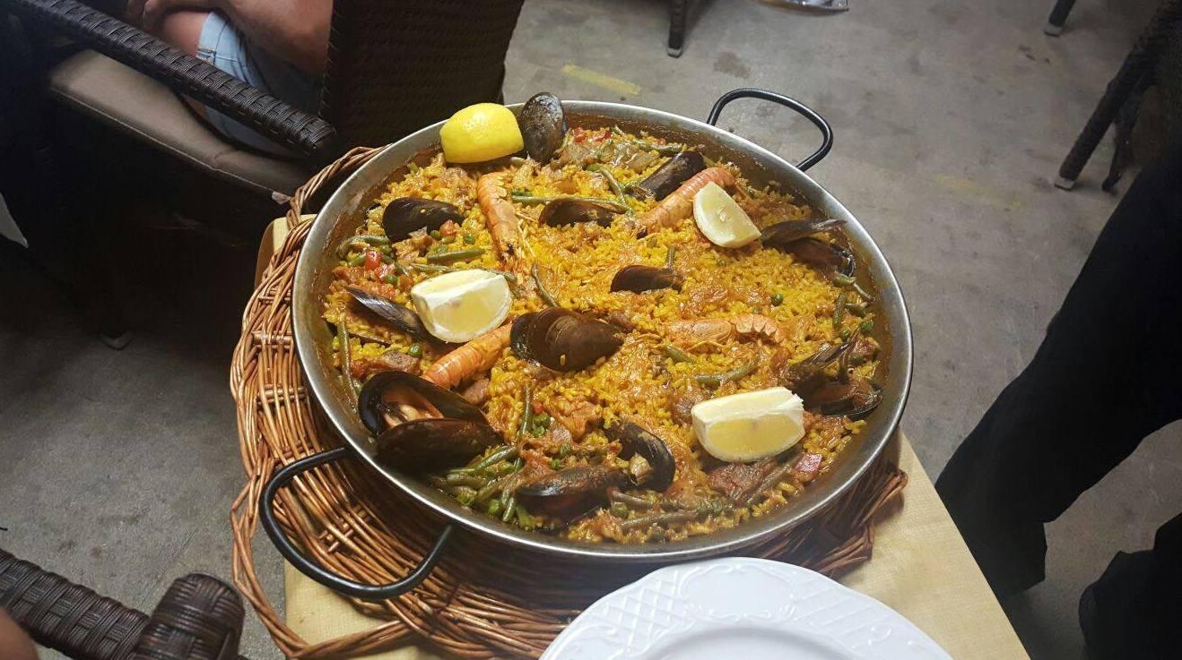 Comer paella Mallorca