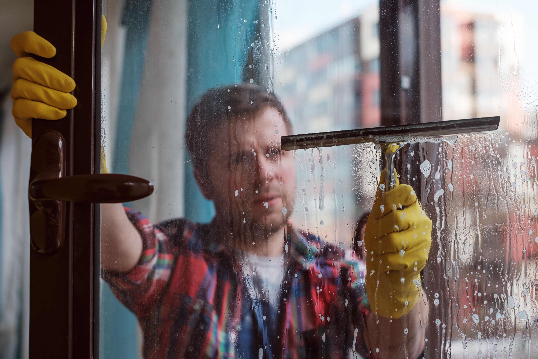 Limpieza de cristales en comunidades de vecinos en Madrid