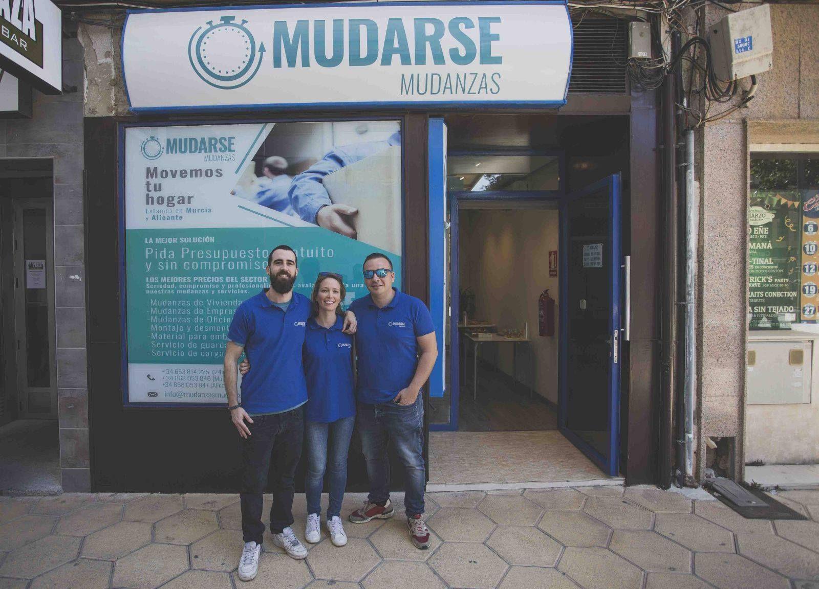 Equipo de la empresa de mudanzas en Murcia