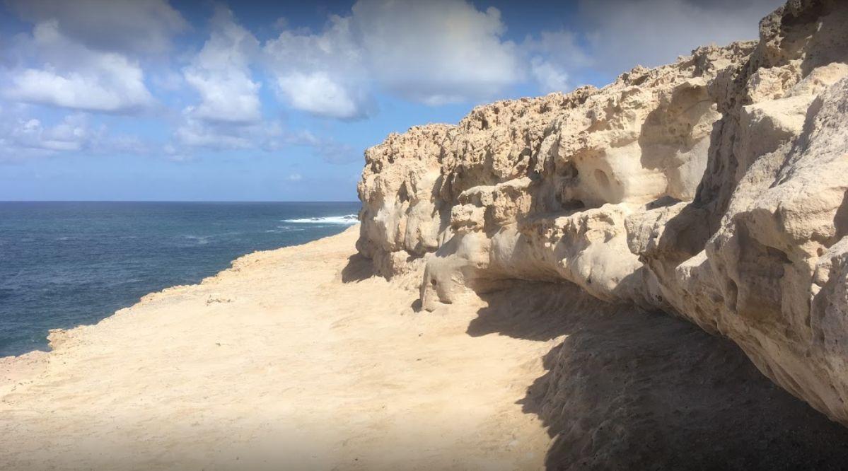 Restaurante con vistas al mar en la playa Ajuy