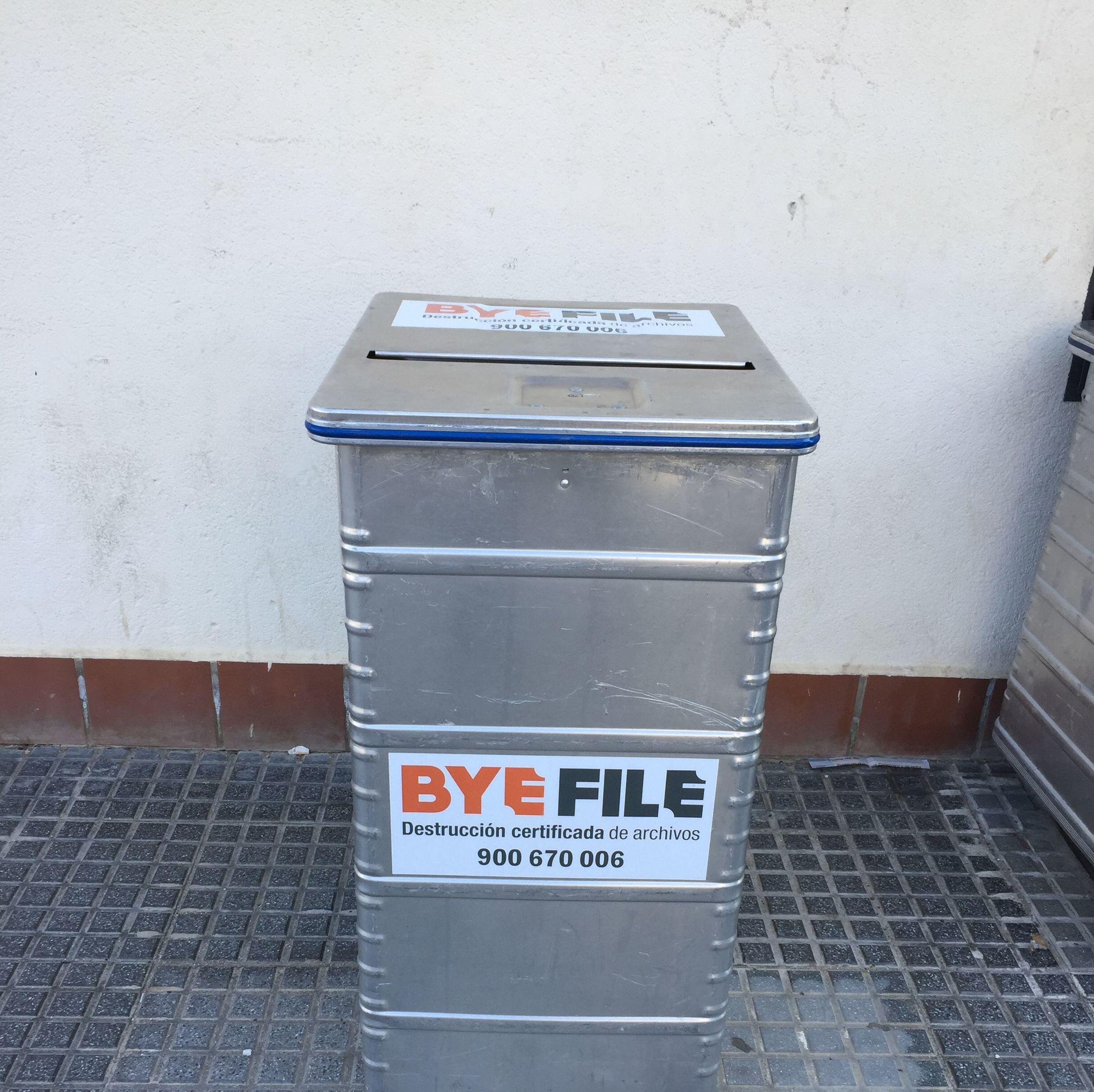 Foto 3 de Destrucción certificada de archivos en Málaga | Servicio Integral de destrucción de documentos