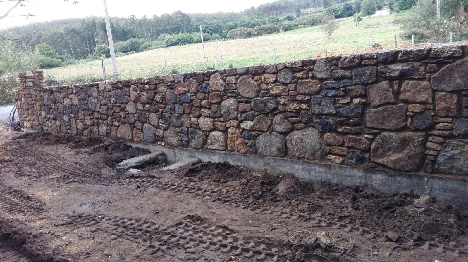 Muros de piedra: Servicios de Construcciones J. Ares López