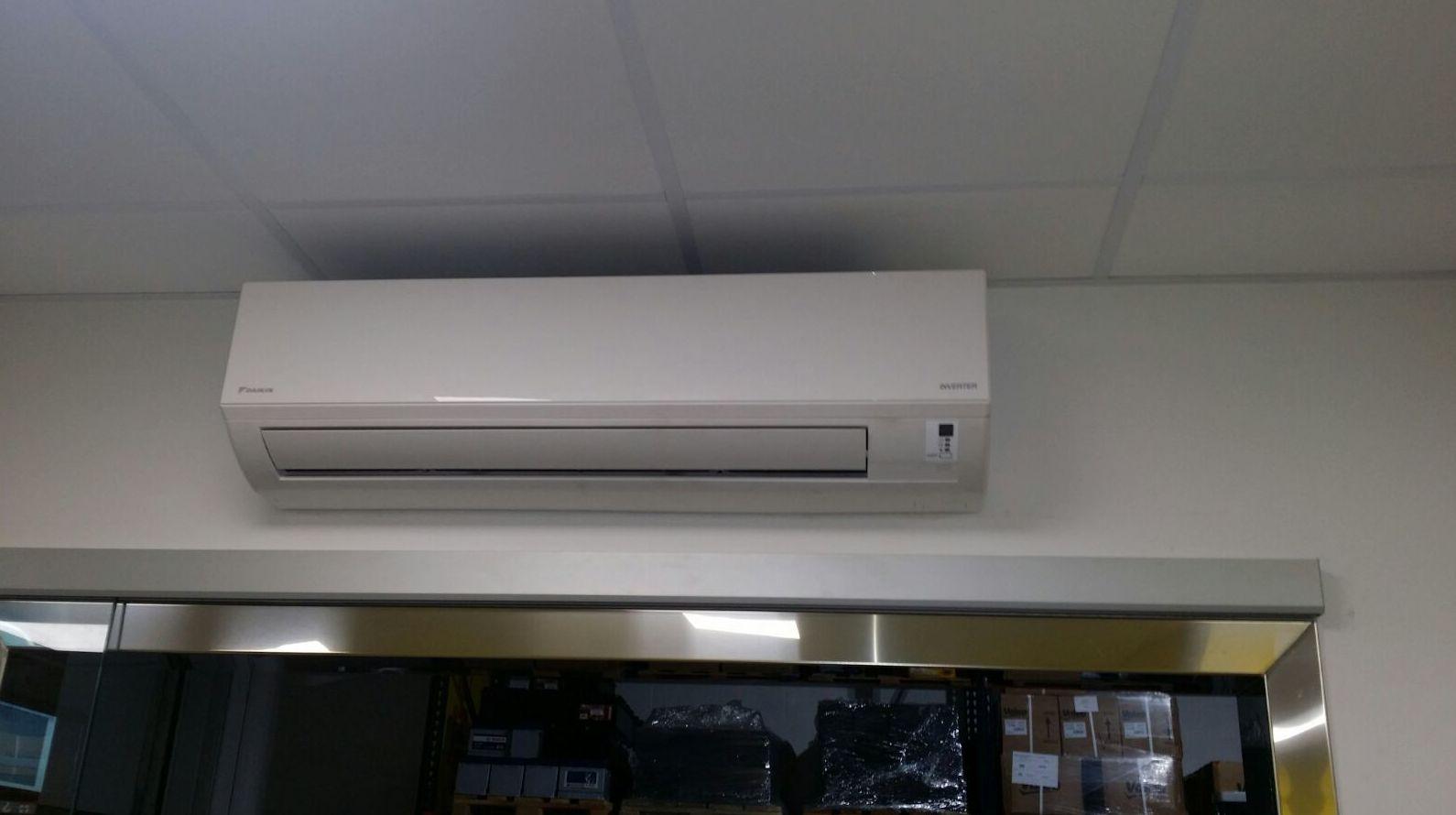 Colocación de aire acondicionado Gijón http://www.tempconfortinstalaciones.es/es/