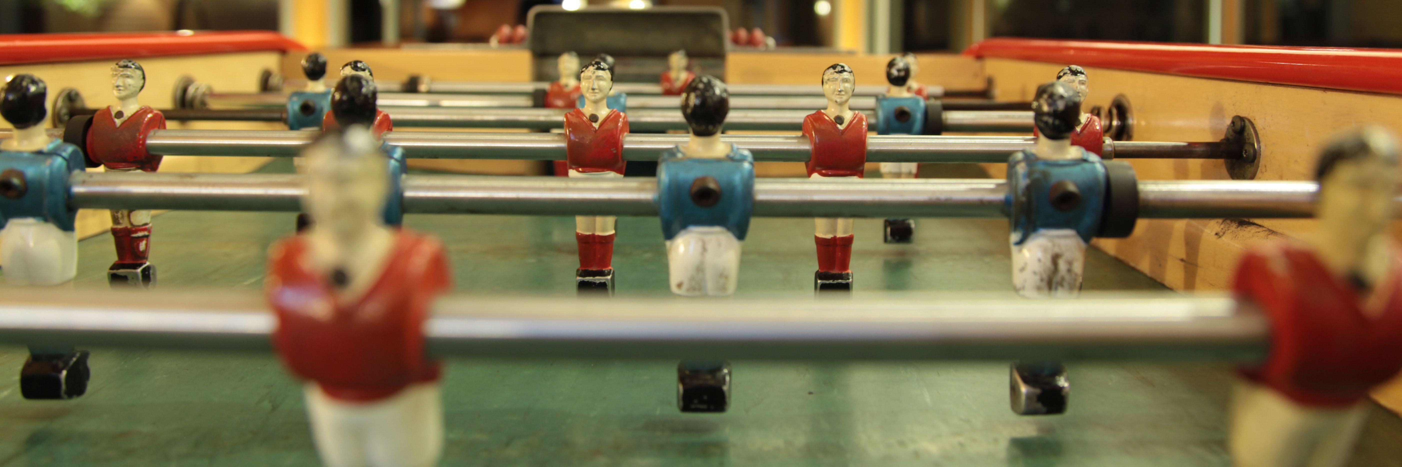 Dardos y Futbolín: Servicios de La Uvi Bar de Copas