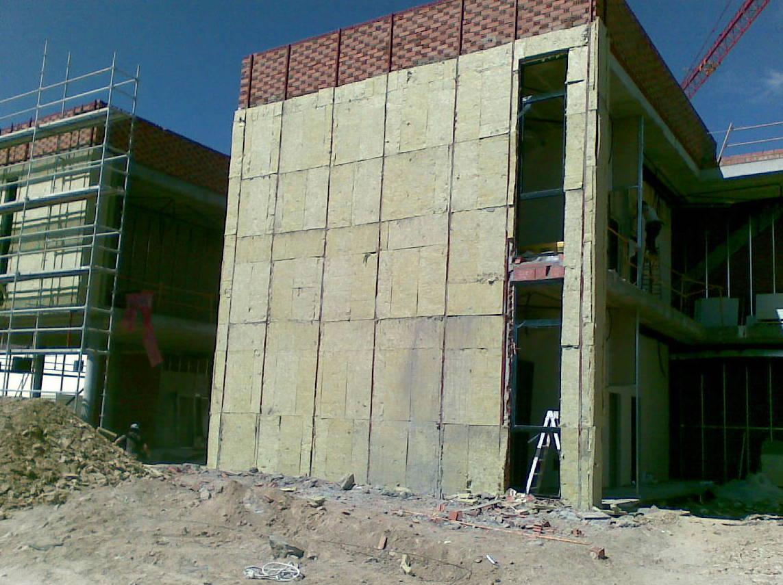 Aislamiento fachada ventilada.