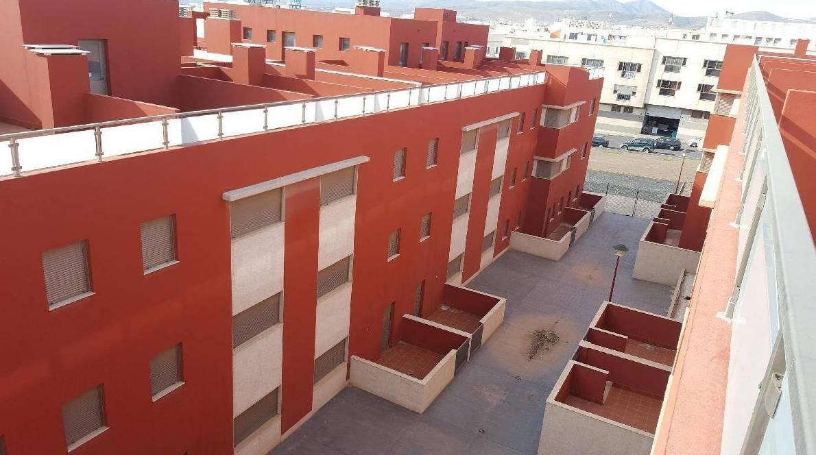 Venta piso a estrenar con garaje en Puerto del Rosario, Fuerteventura: Adosados y Pisos de OH Gestión