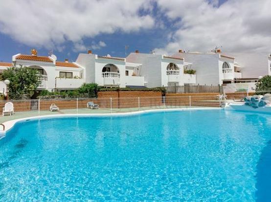 Apartamento de 3 dormitorios, Callao Salvaje, 230.000€. + de 2 dormitorios: Alquiler y venta de Inmobiliaria Parque Galeón