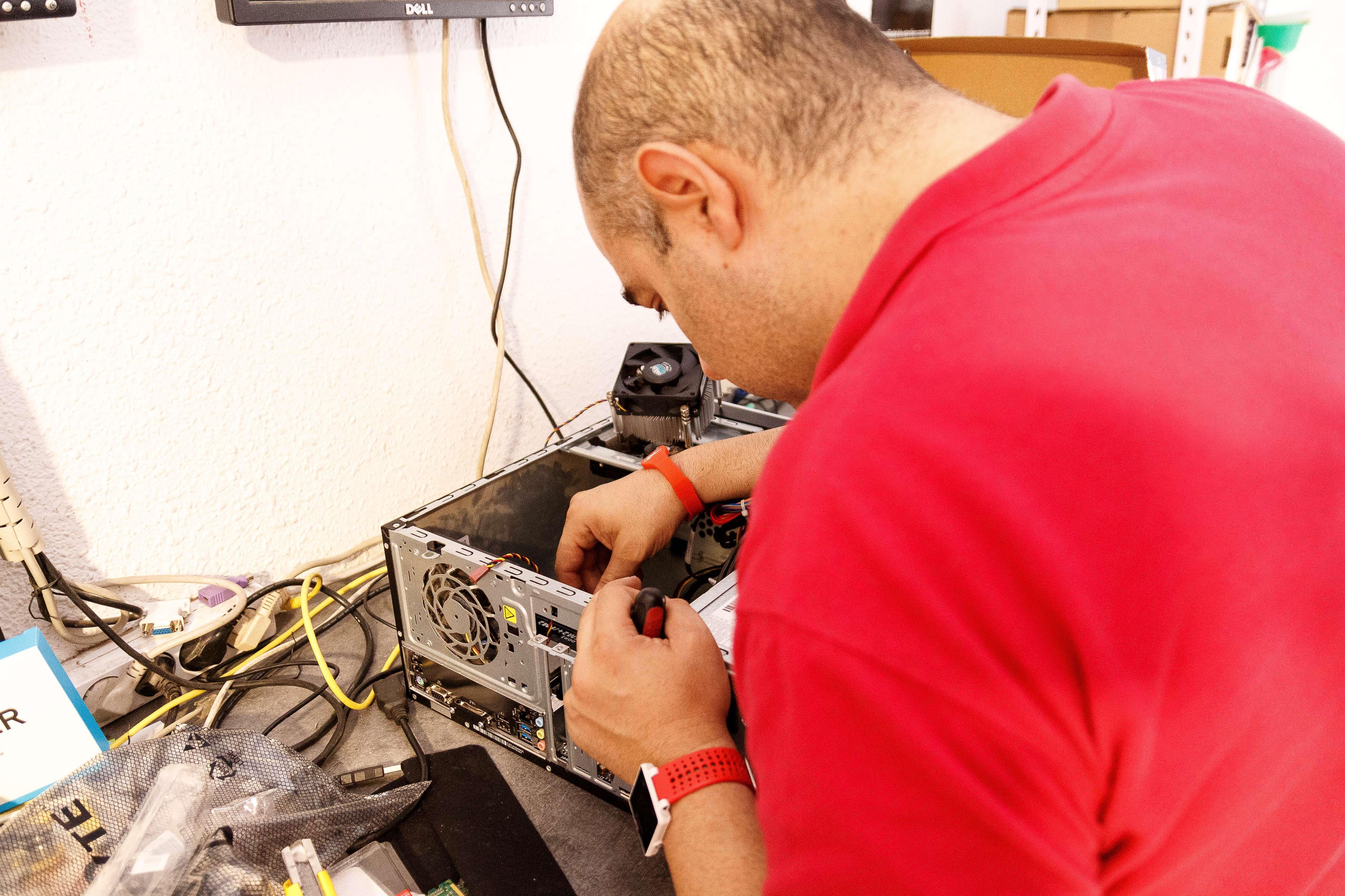 Grandes profesionales en la reparación de ordenadores