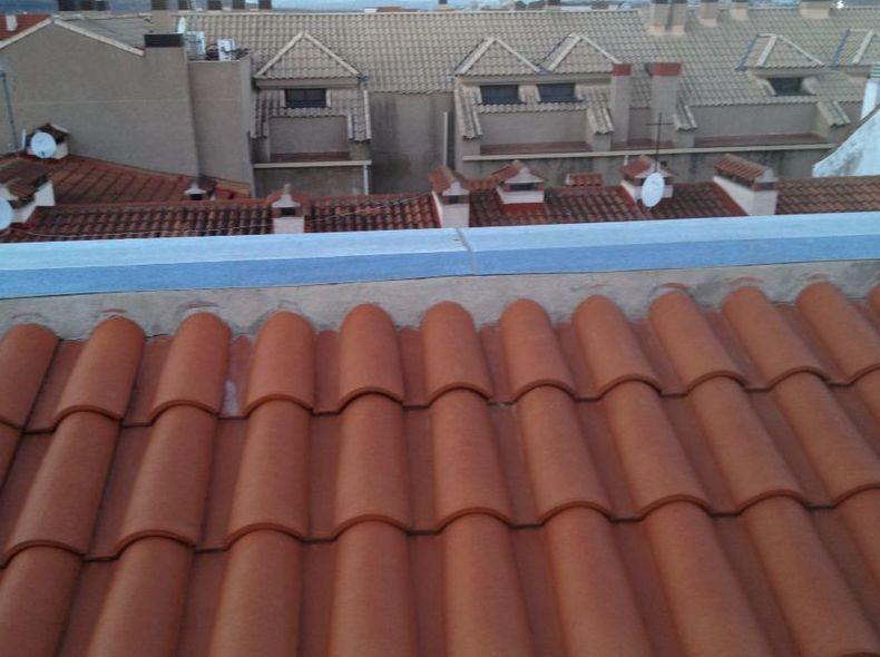 Canalones\u002DGefel Colocación de tejados teja.
