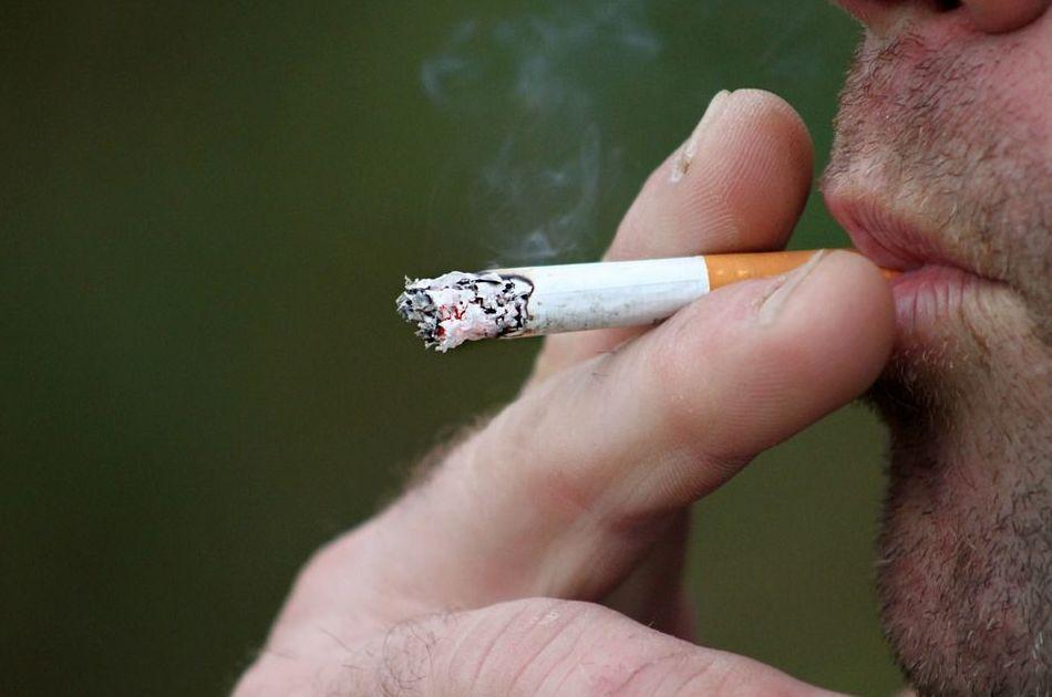Doble riesgo de padecer psoriasis si se es fumador