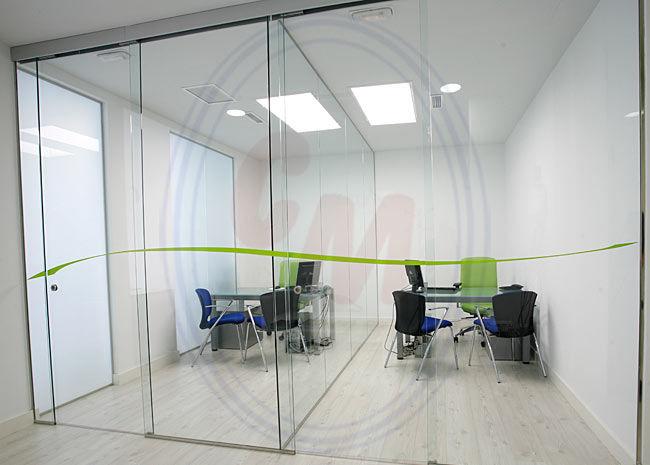 Acristalamiento de mamparas de oficina madrid productos de cristalera madrile a - Oficinas de mutua madrilena ...