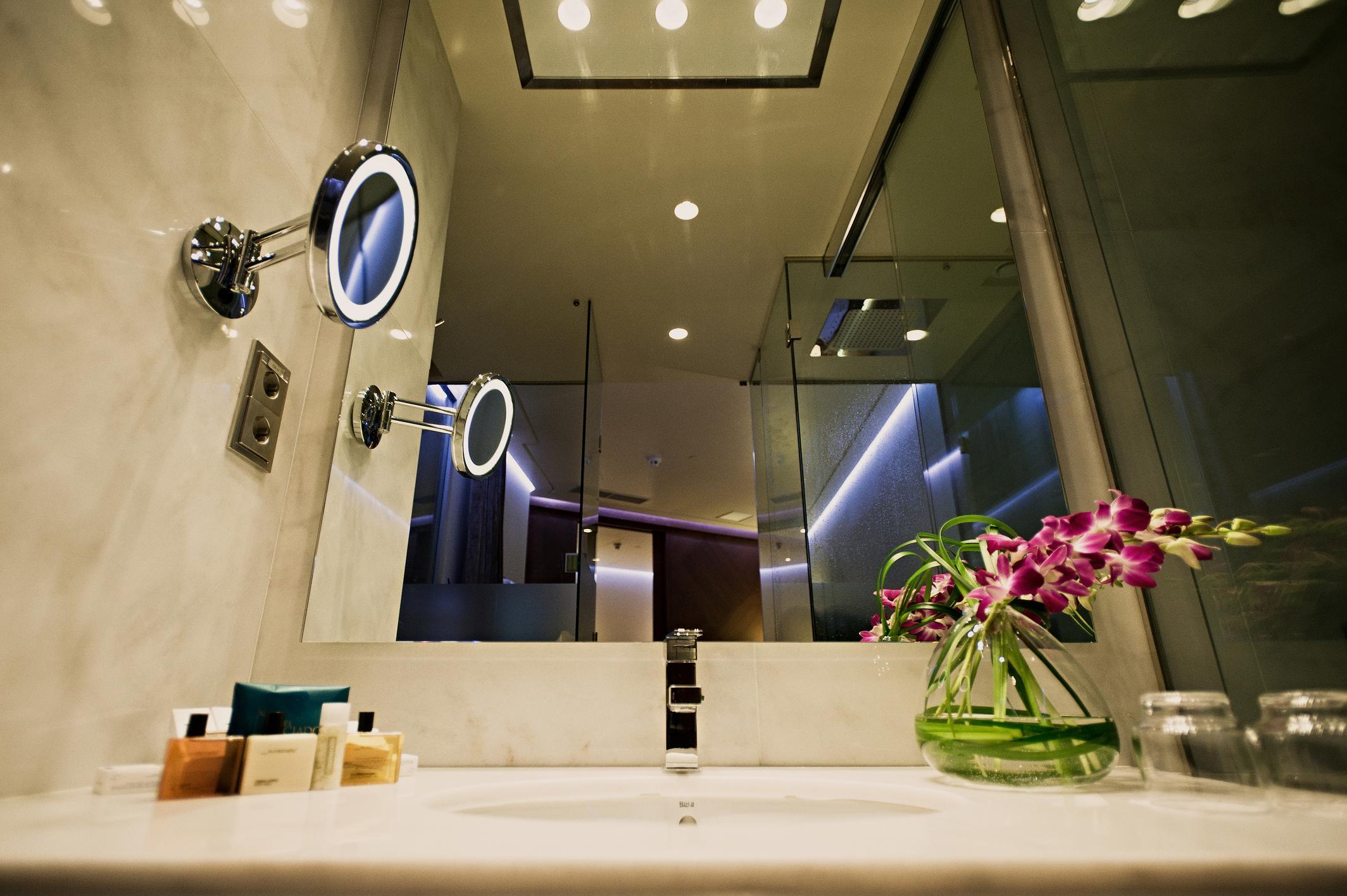 Espejos y mamparas de baño