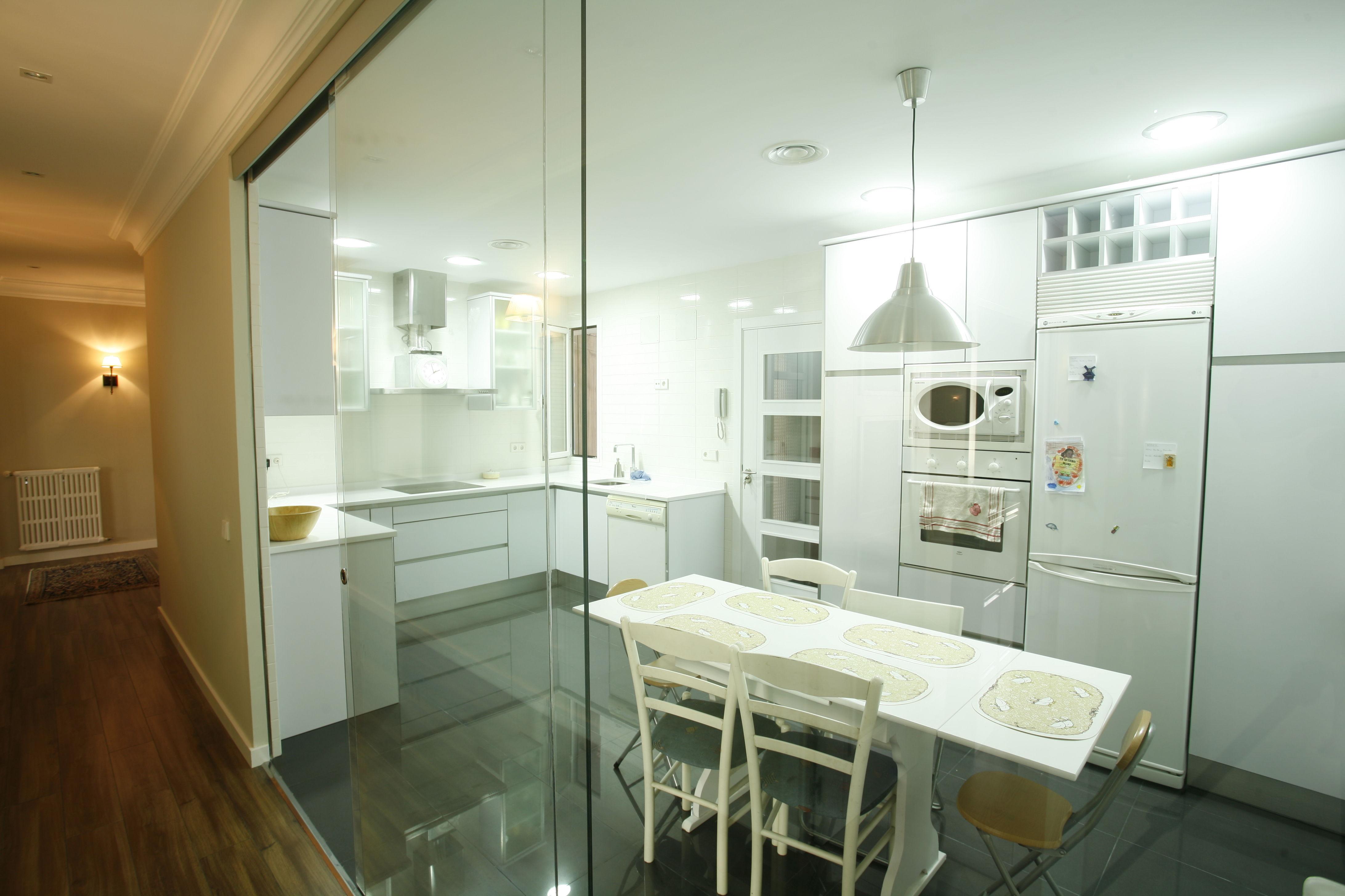 Puertas de cristal - Puerta cristal cocina ...