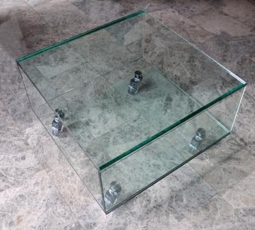 Mesas de cristal Madrid. Mesas de cristal a medida.