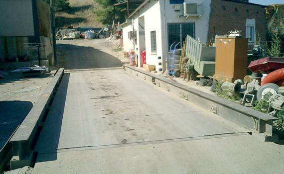 Foto 1 de Chatarrería en Torrejón de Ardoz | Toferla, S.L.