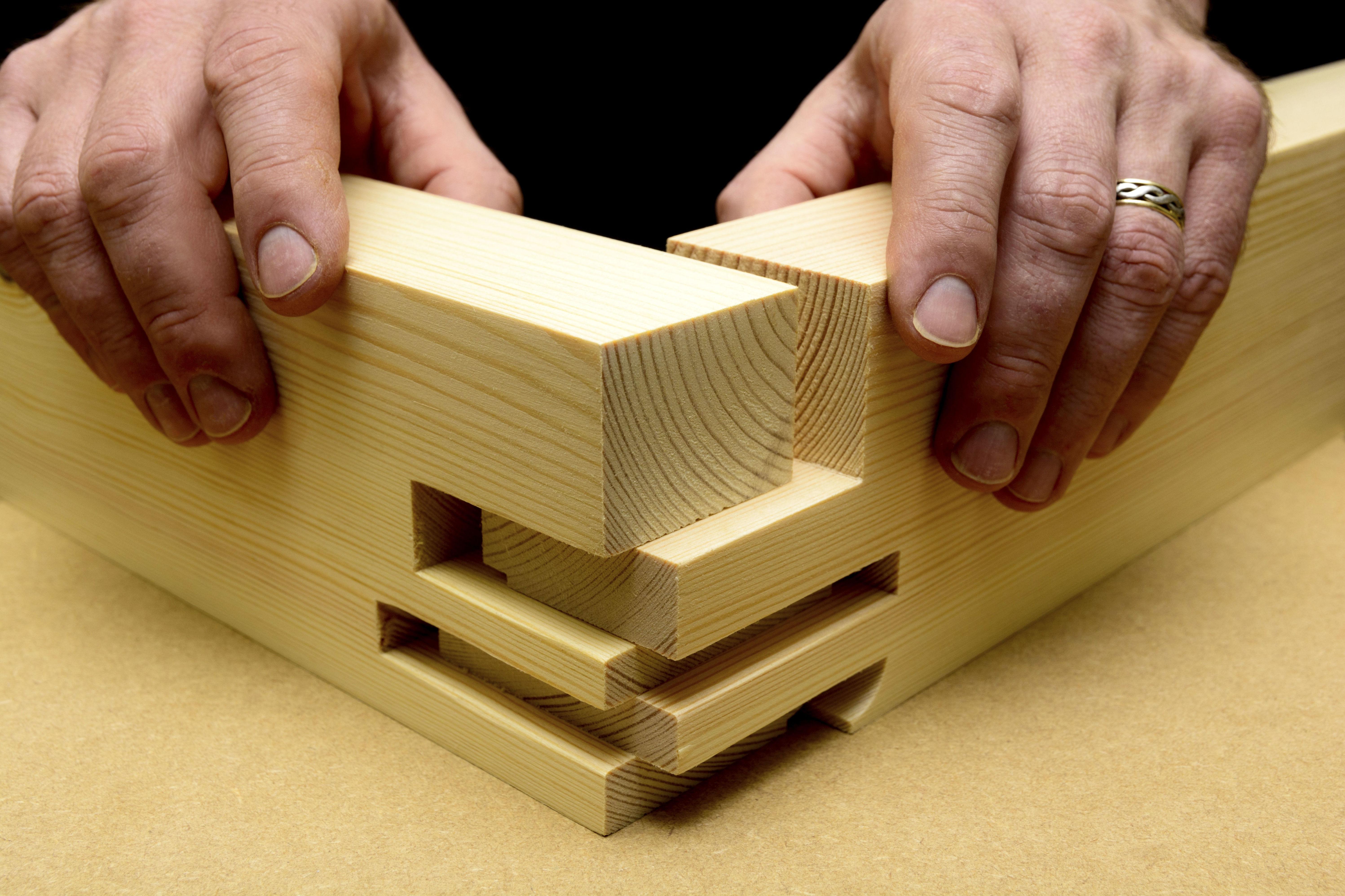 Trabajos de carpintería y suelos de madera