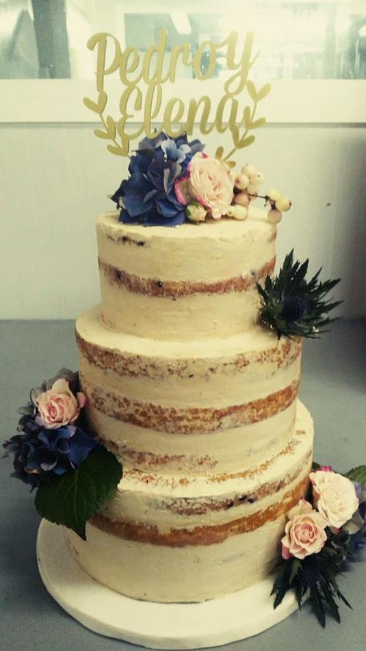 Naked Cake con flores naturales