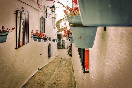 Descubre las calles de Mijas