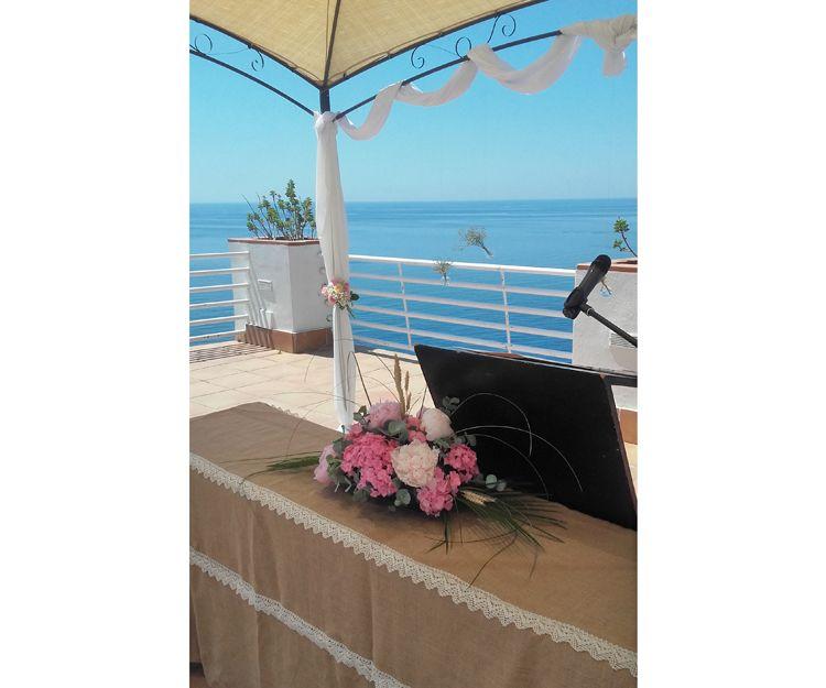 Arreglos florales en boda en Salbreña