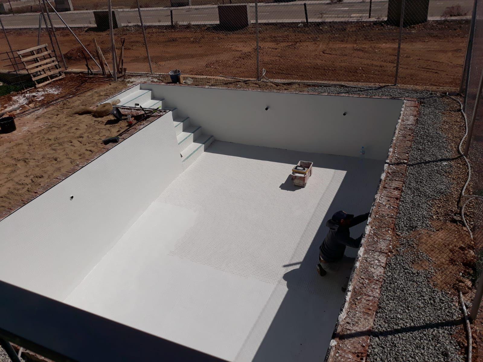 Albañilería e instalación de piscinas en Toledo