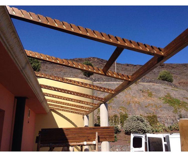 Mecanización de madera para las estructuras de pérgolas y casas en Fuerteventura