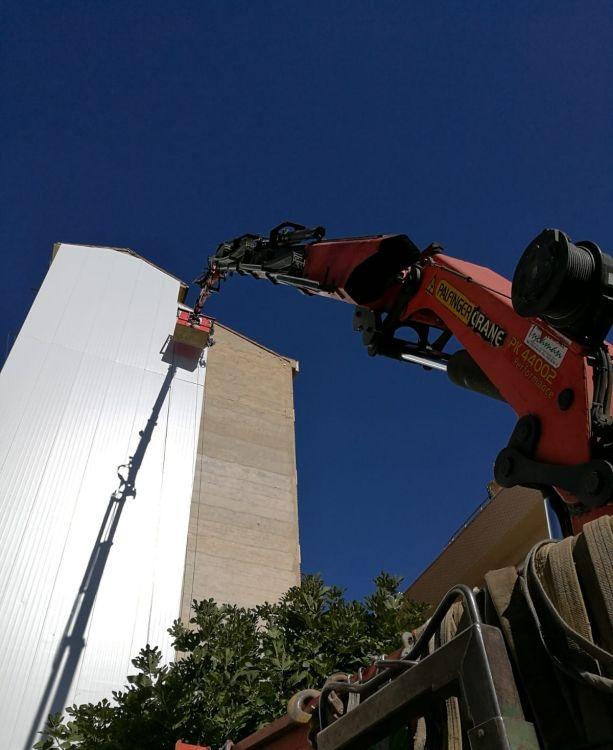 Camión grúa para trabajos en altura a nivel nacional